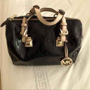 Michael Kors patent leather purse 👜
